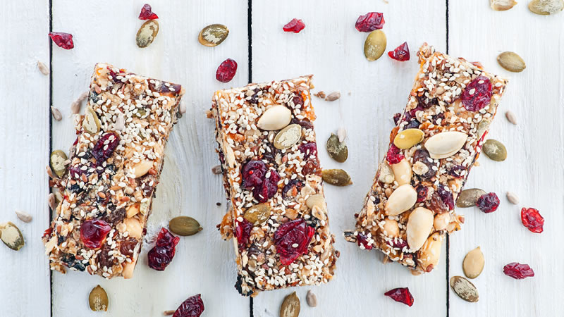 Granola with Berries and Nuts